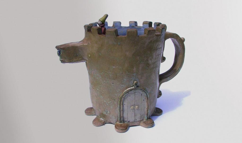 """""""Pot d'eau - garçon"""". Terre cuite, émaillée."""